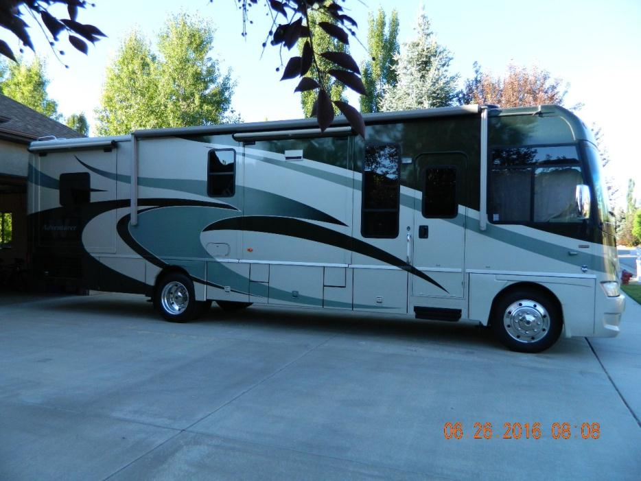2009 Winnebago Adventurer 35