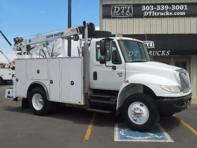 2007 International Durastar 4400 Crane Truck