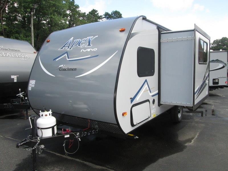 2017 Coachmen Apex Nano 191RBS Front Queen, Rear Bath,
