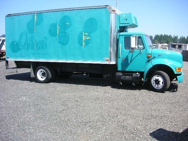 2001 International 4700 Refrigerated Truck