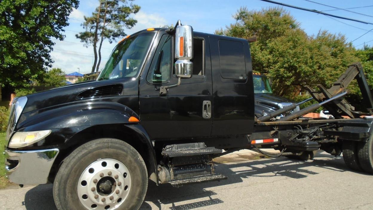 2006 International 4300  Rollback Tow Truck