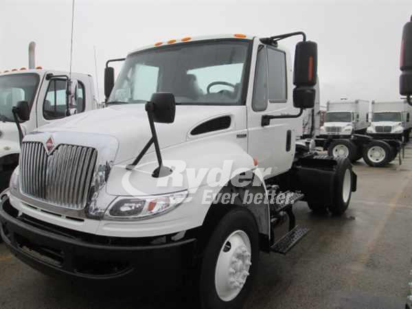 2009 International 4400  Conventional - Day Cab