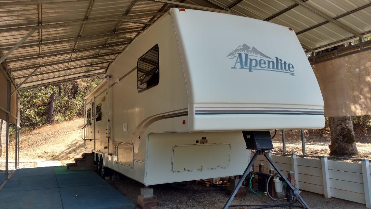 1995 Alpenlite Limited Series 34RL