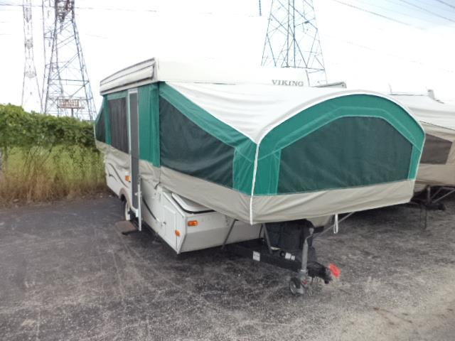 2007 Viking Epic 2470ST WITH SHOWER/TOILET