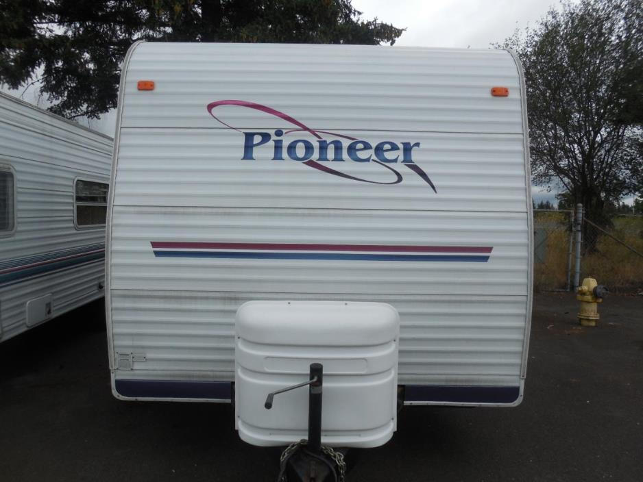 2004 Fleetwood Pioneer 18T6