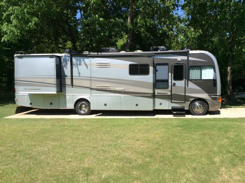 2006 Fleetwood Pace Arrow 37C