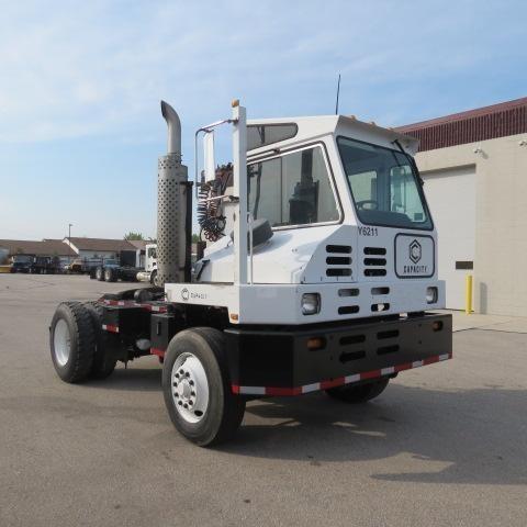 2006 Capacity Tj5000 Dot Yard Spotter Truck
