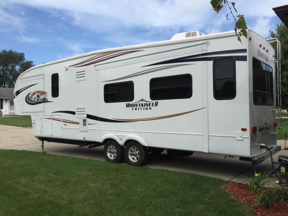 2011 Keystone Montana Mountaineer 326RLT
