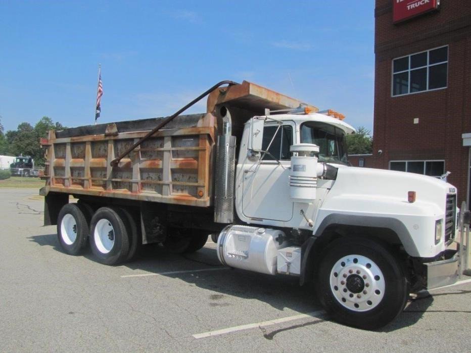 1998 Mack Rd688s  Contractor Truck