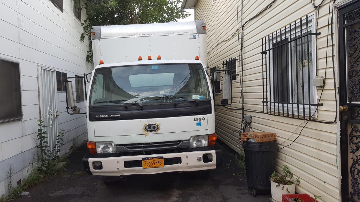 2004 Ud Trucks 1200  Box Truck - Straight Truck