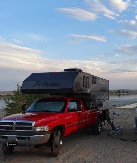 2012 Livin' Lite Quicksilver Truck Camper