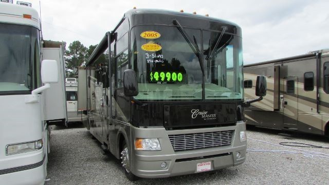 2005 Georgie Boy LUXURA 3640 TS