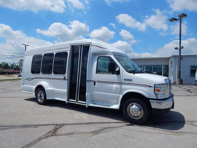 2016 Ford E-350sd Bus