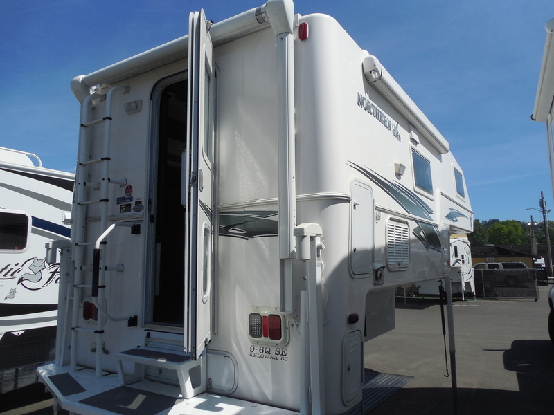 Northern Lite Classic Series Campers 9 6 Queen Rvs For Sale