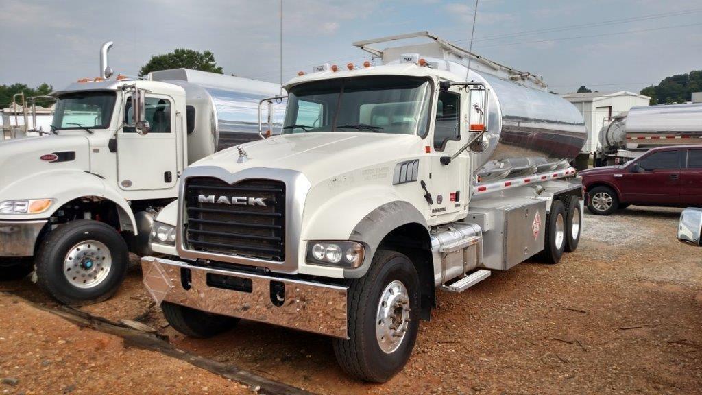 2014 Mack Granite Gu433 Tanker Truck