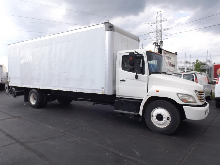 2006 Hino 268 Box Truck - Straight Truck