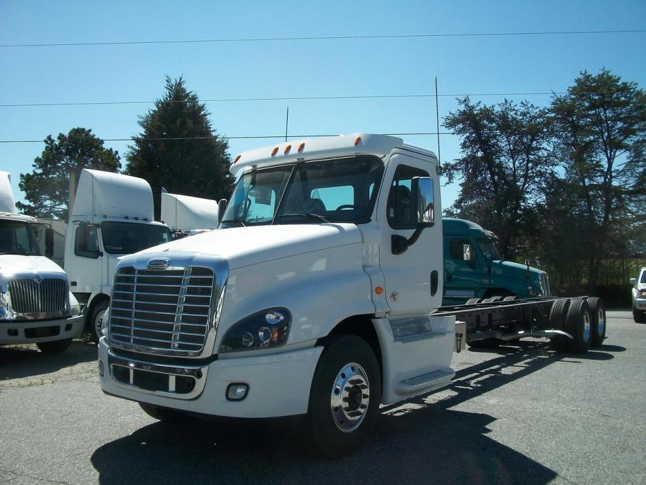 2017 Freightliner Cascadia Cab Chassis