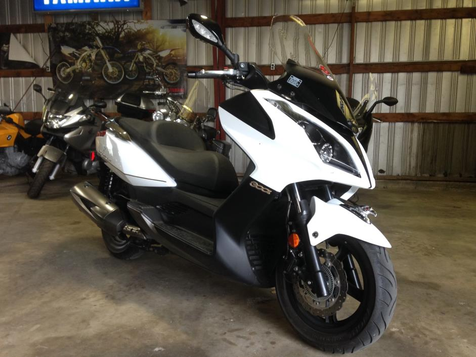 kymco downtown 300i motorcycles for sale in urbana illinois. Black Bedroom Furniture Sets. Home Design Ideas