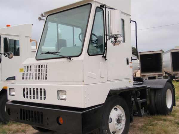 2010 Ottawa C30 Yard Spotter Truck