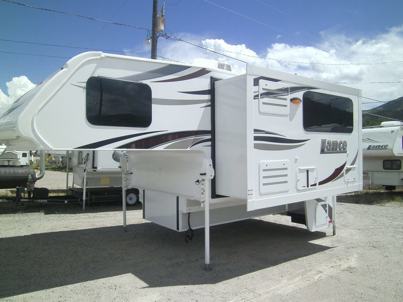 2017 Lance Truck Campers 975
