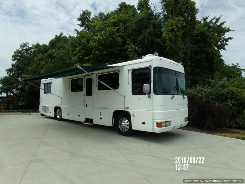 1997 Foretravel Unicoach 3600 U320