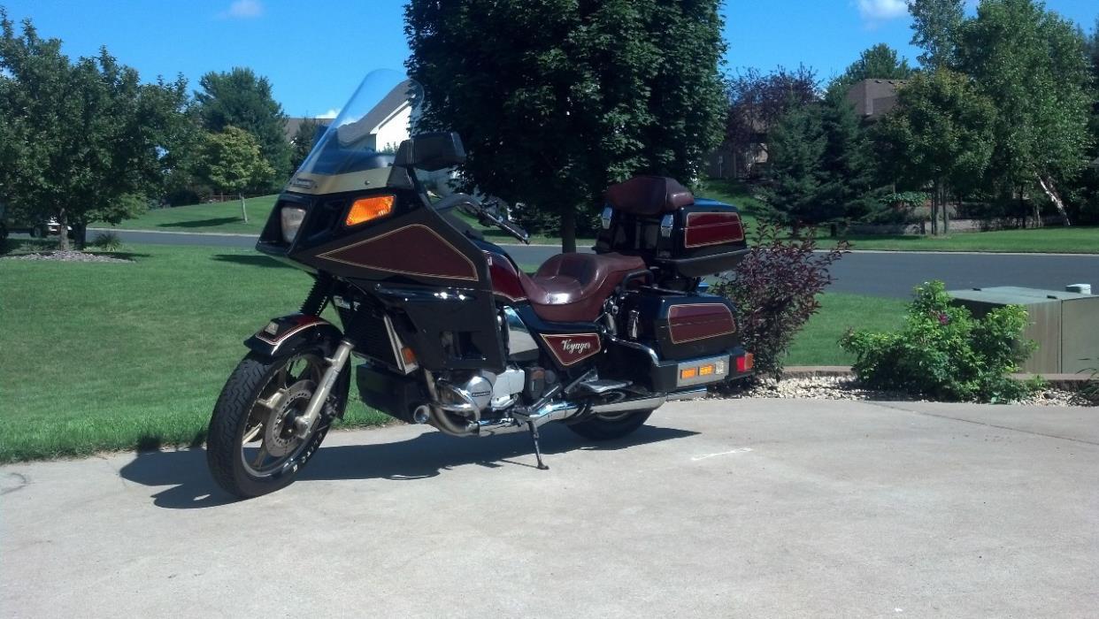 1985 Kawasaki Voyager 1300