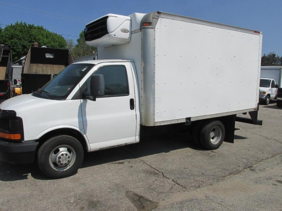 2005 Chevrolet Express  Refrigerated Truck