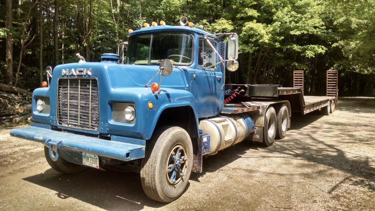 1985 Mack R688st  Cab Chassis