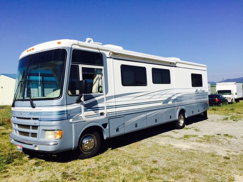 2000 Fleetwood Pace Arrow 33
