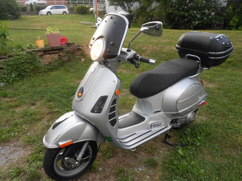 vespa gts 250 motorcycles for sale in pennsylvania. Black Bedroom Furniture Sets. Home Design Ideas