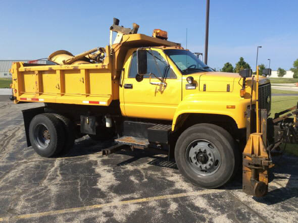 1997 Chevrolet C7500 Plow Truck - Spreader Truck