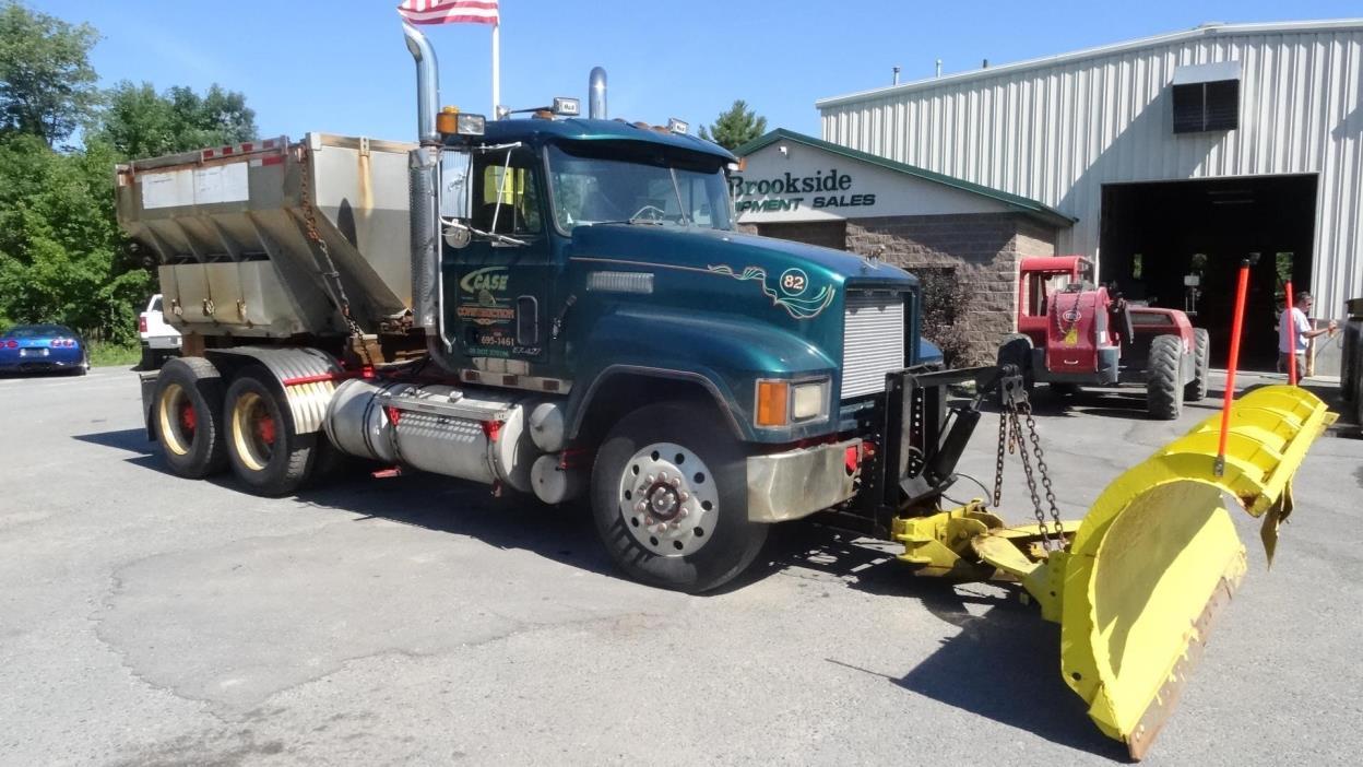 1997 Mack Ch613  Plow Truck - Spreader Truck