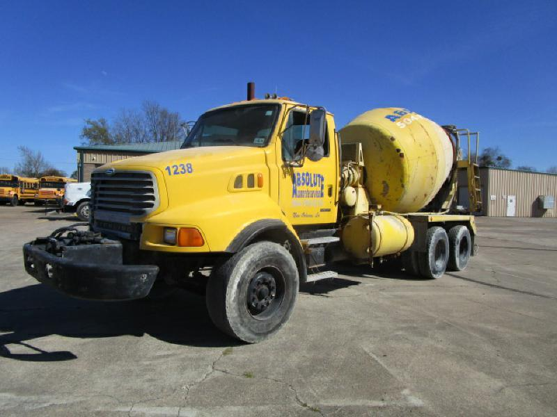 2001 Sterling L8500  Mixer Truck