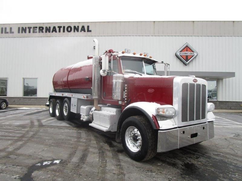2012 Peterbilt 388 Tanker Truck