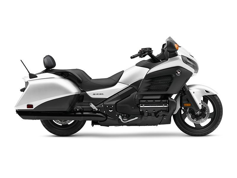 honda gold wing f6b deluxe matte pearl white motorcycles for sale. Black Bedroom Furniture Sets. Home Design Ideas