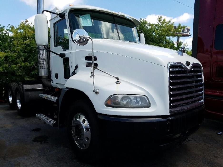 2005 Mack Vision Tanker Truck