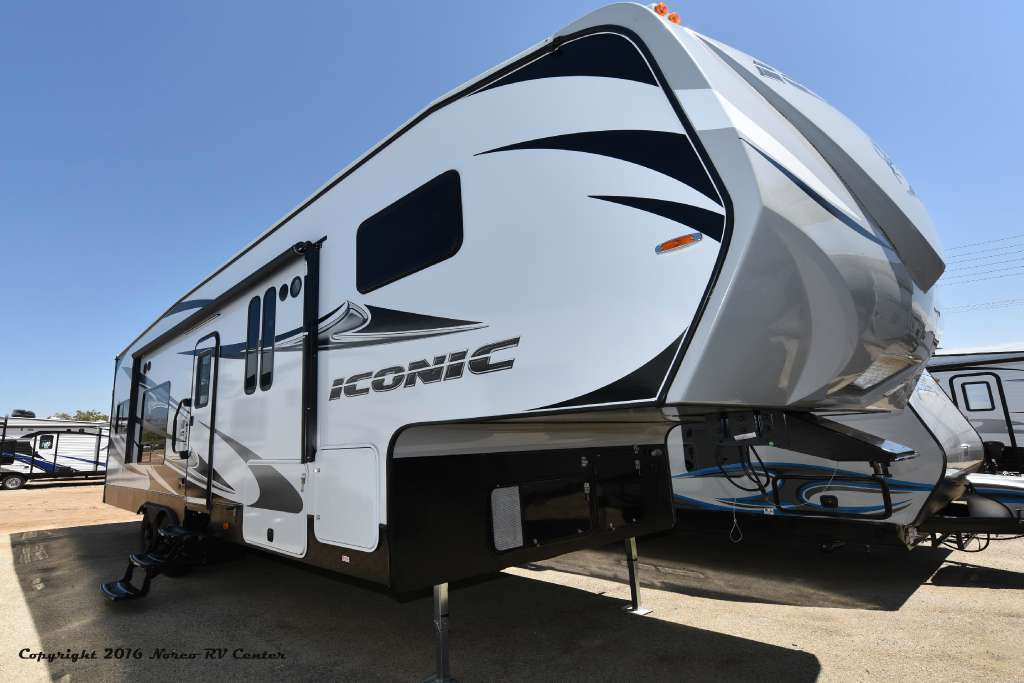 2017 Eclipse Iconic 2817CKG