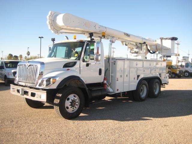 2009 International Workstar 7400  Bucket Truck - Boom Truck