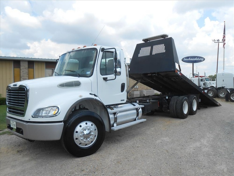 2007 Freightliner M2 Pre Emissions  Rollback Tow Truck