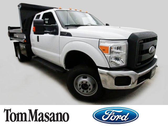 2016 Ford Super Duty F-350 Drw Cab-Chassis  Dump Truck