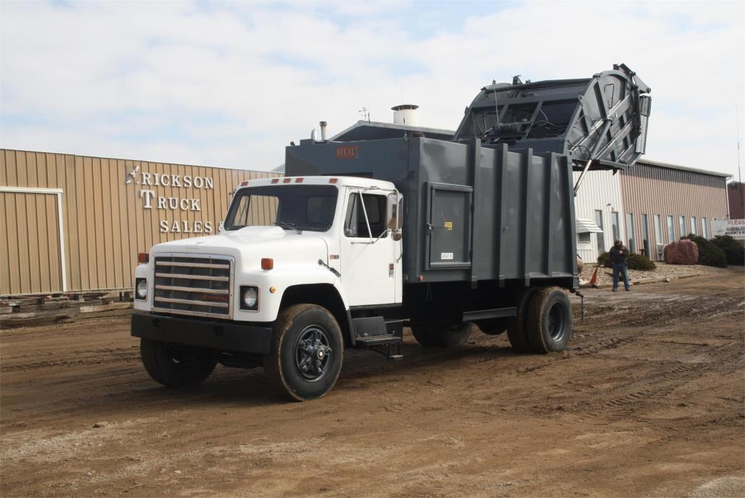 1987 International S1700 Garbage Truck