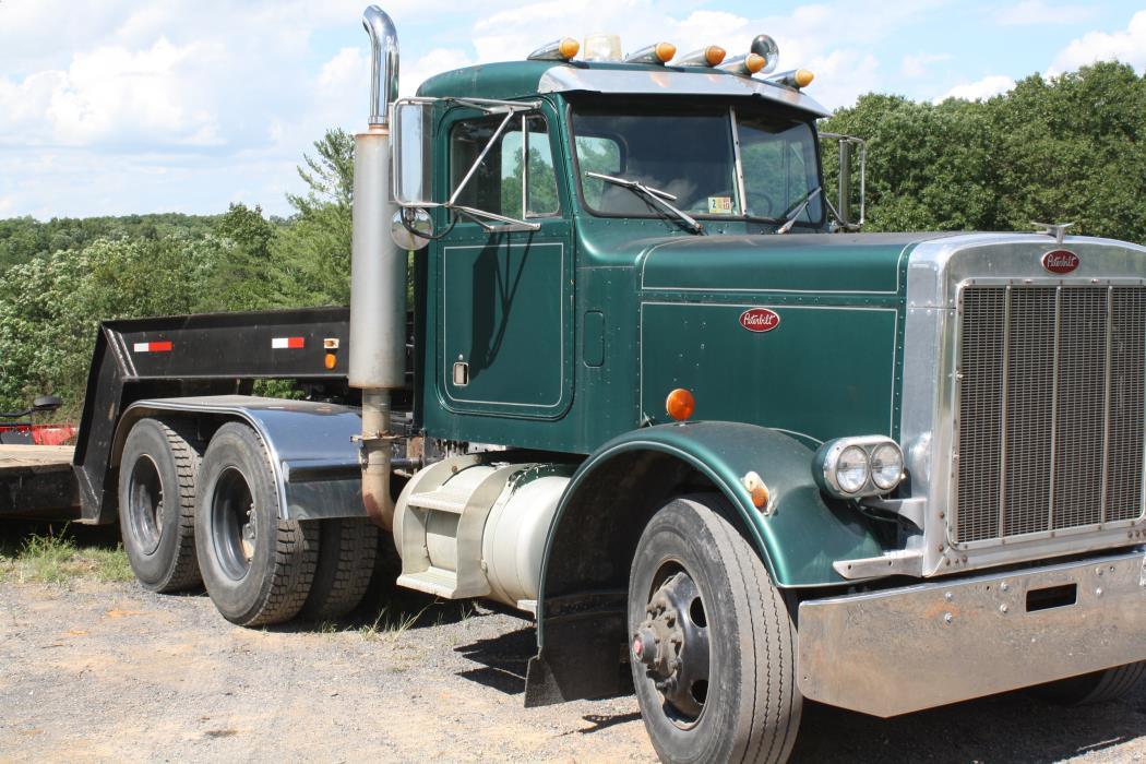 1973 Peterbilt 359 Tractor