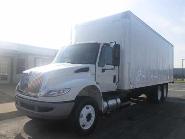 2009 International 4400  Box Truck - Straight Truck