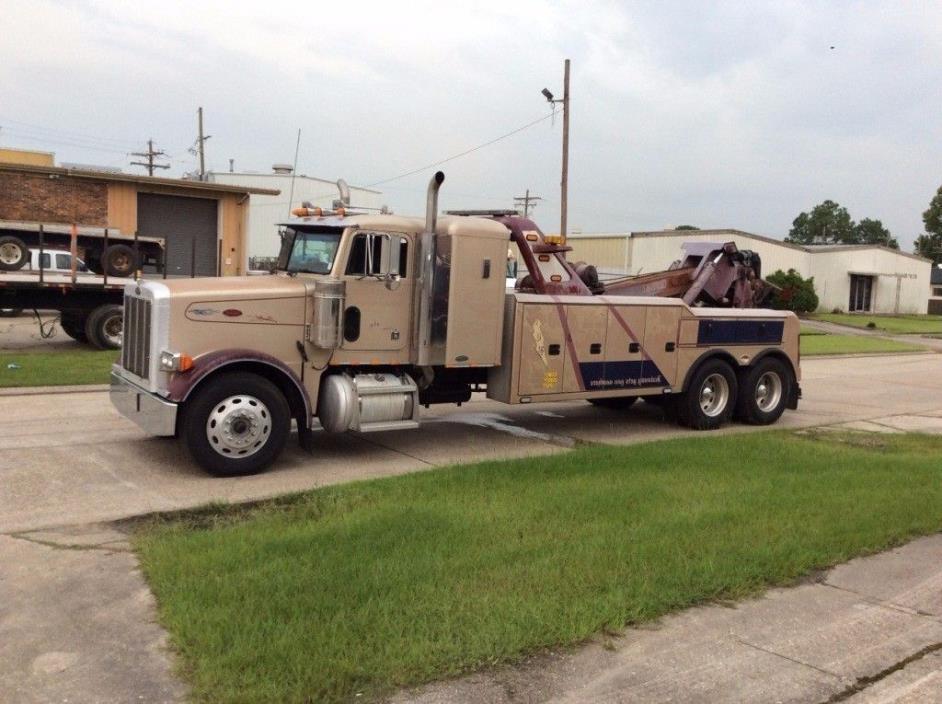 2002 Peterbilt 378 Wrecker Tow Truck