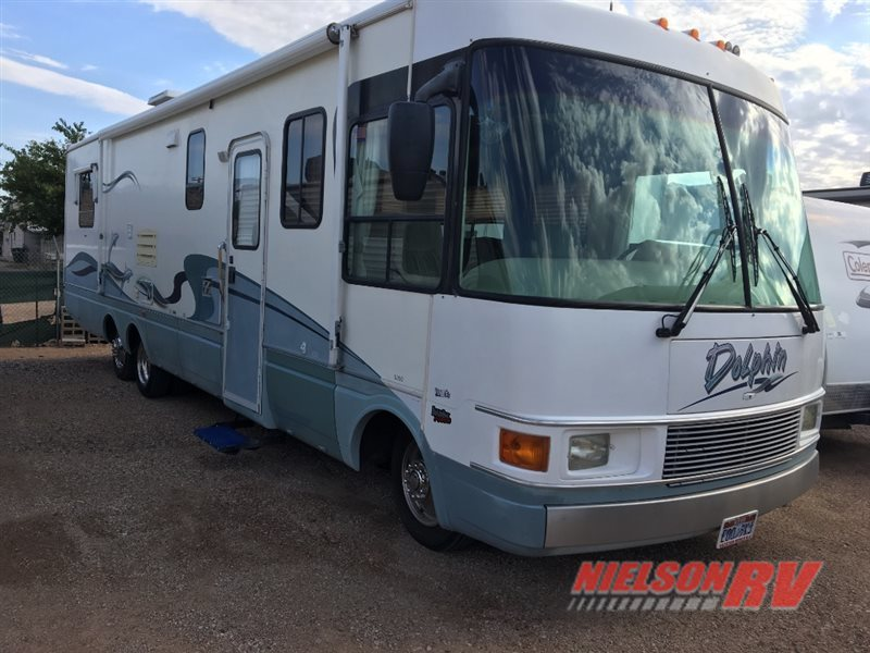 1999 National Rv Dolphin 5330