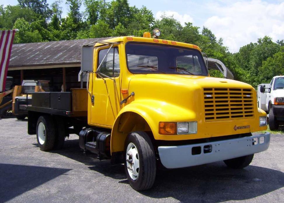 1992 International 4600  Flatbed Dump