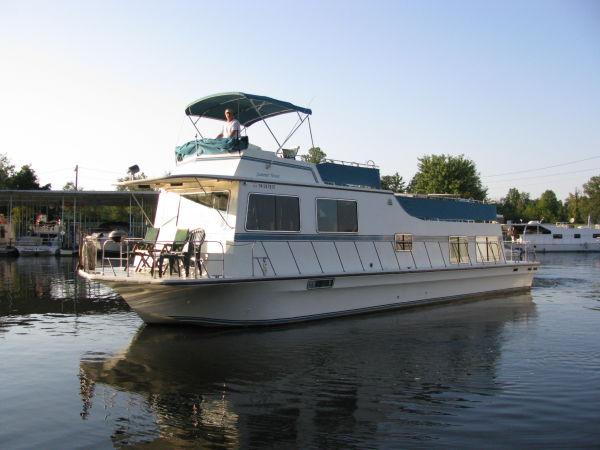 1986 Harbor Master 520 Houseboat