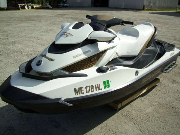 2011 Sea-Doo GTX iS 260