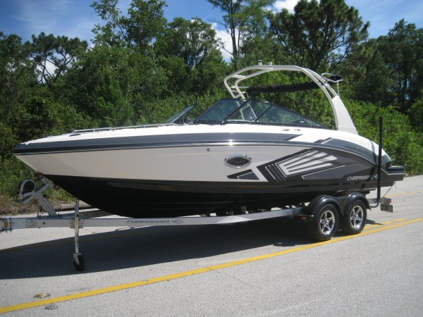 2015 Chaparral 243VRX Jet Boat