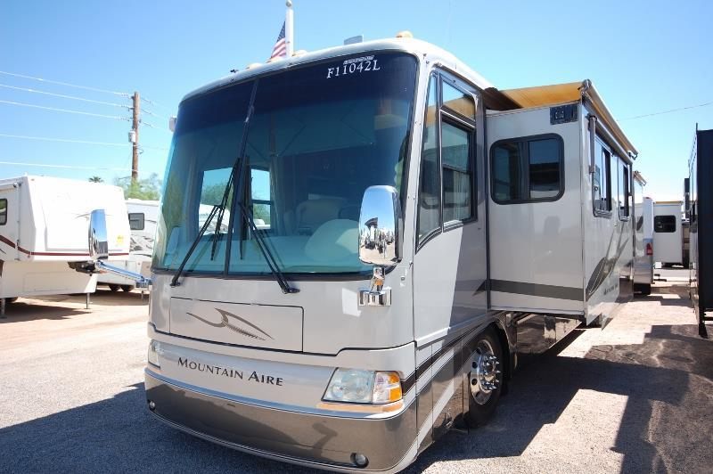 2005 Newmar Mountain Aire 4304 Quad Slide